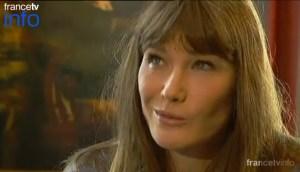 A Carla Bruni no le gustó que le preguntaran sobre Sarkozy (Video)