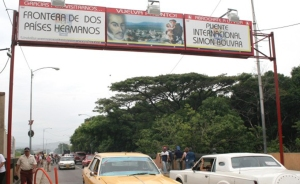 Venezuela abre aduana en frontera con Colombia