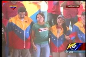 Así cantó y medio bailó la hija de Chávez con Maduro (FOTOS)