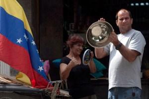 """Venezolanos se dividen entre sus peores fantasmas: """"Golpe"""" y """"Fraude"""""""
