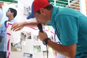 Capriles: Al Gobierno nacional no le interesan las escuelas porque los niños no votan