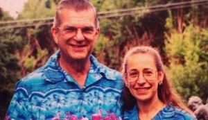 Tienen 35 años juntos y siempre han vestido igual (AWWW)