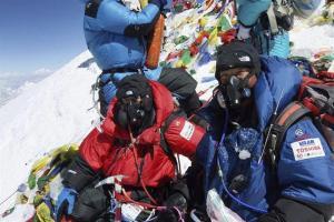 Japonés de 80 años llegó a la cima del Everest (Fotos)