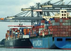 Llega primera carga de alimentos importados a Venezuela