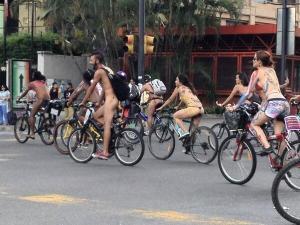 Ciclistas desnudos tomaron calles de Caracas (fotos)