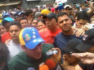 Capriles marchó con los universitarios: El futuro se consigue a través de la educación