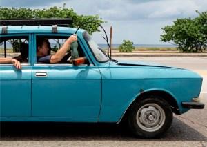 Increíble: Así manejan en Cuba (FOTOS)