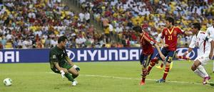 España pulveriza a Tahití 10-0, que no se limitó a defender