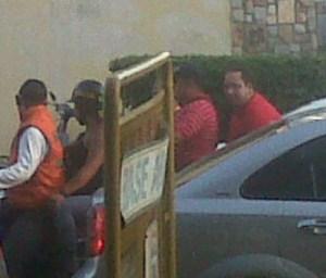 Responsabilizan a diputados oficialistas de hechos violentos contra Capriles en Maracay (FOTOS)