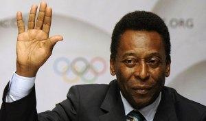 """Pelé recibe un """"abucheo virtual"""" al pedir que Brasil se concentre en la Copa"""