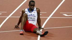 Cuba prohíbe al atleta Dayron Robles representar al país