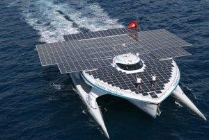 Barco solar atraca en Miami para su segunda misión