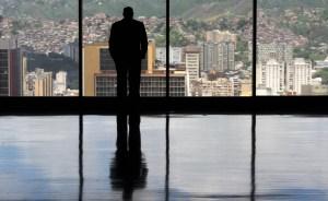 Estudiantes de oposición y oficialistas toman Caracas con dos marchas