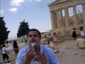 Así se afeita Er' Conde del Guácharo en Europa (Foto)