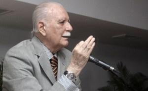 José Vicente Rangel pide la libertad de Iván Simonovis