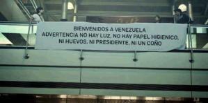 "Polémica pancarta de ""bienvenida"" en Maiquetía (Foto + Impelable)"