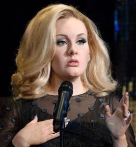A la estatua de cera de Adele sólo le falta cantar (Foto)