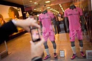 Camiseta rosada de Boca Juniors desata polémica (Foto)