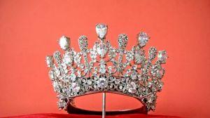 Reina de belleza debe pagar 5 millones de dólares por difamación