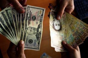 Pagan 2.200.000 bolívares por cada dólar que se envíe por concepto de remesas