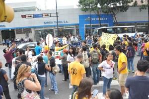 Así protestaron los estudiantes en la avenida Francisco de Miranda (Fotos)