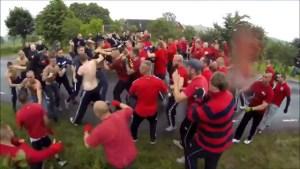 """Tángana entre """"hooligans"""" en Suecia (Video + WTF)"""