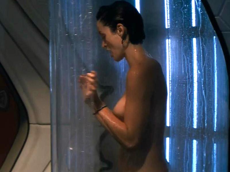 El Borroso Desnudo De Trinity La Chica De The Matrix Lapatillacom