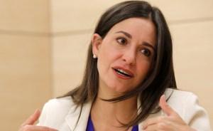 María Corina dice que Venezuela no aguantará los seis años con Maduro