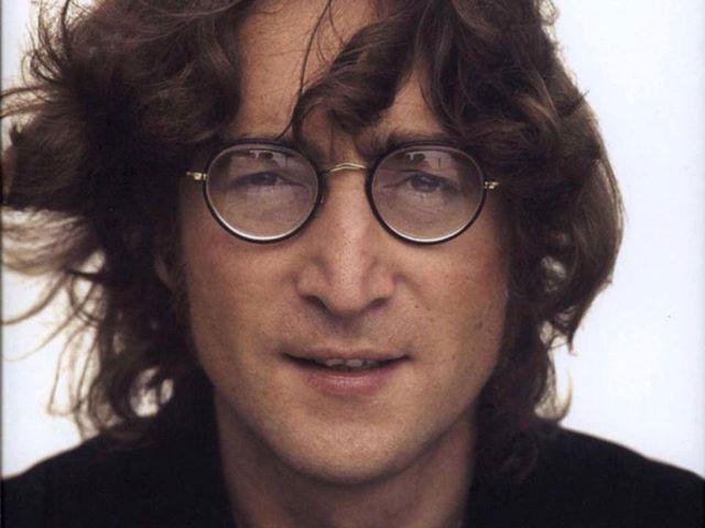 Dentista que adquirió diente de John Lennon quiere clonar al artista