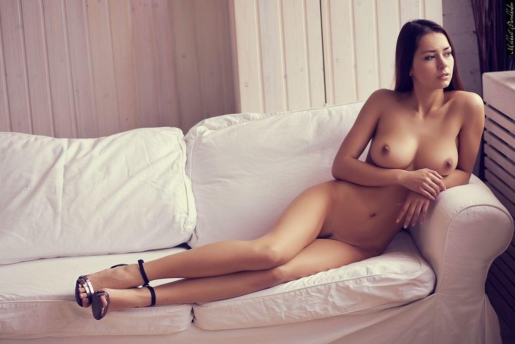 Helga Regresa Con Unos Desnudos Nuevos De Infarto Que Buena