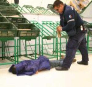 ¿Patria querida? Muere aplastado en un Bicentenario intentando comprar leche (Dios mío)