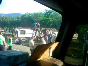 Dos fallecidos y once heridos deja accidente de tránsito en Yaracuy
