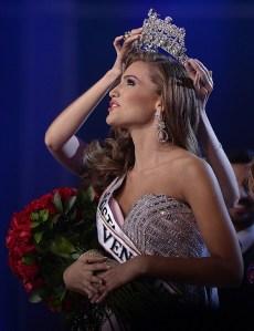 La nueva Miss Venezuela: Mientras esté aquí no hablaré de mi posición política
