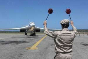 Los bombarderos rusos violaron espacio aéreo colombiano durante vuelo a Venezuela, denuncia Santos