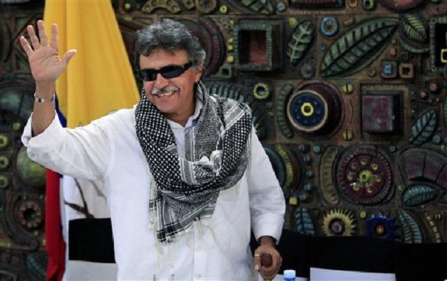 """""""Jesús Santrich"""" en La Habana. Seuxis Paucias Hernández Solarte, tiene tres órdenes de captura por terrorismo y homicidio en Colombia"""