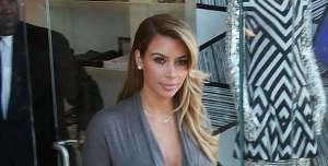 Kim Kardashian muestra sus curvas tras el embarazo (Fotos)