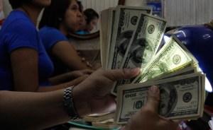Gobierno plantea cambio dual para la asignación de divisas