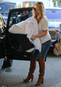 Kim Kardashian de paseo con su hija Norte West  (Fotos)