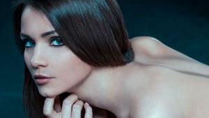 Hermosas modelos nudistas que no conocías: Kris Strange (lo máximo)