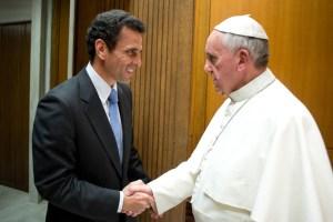 Capriles pide al Papa que promueva el diálogo en Venezuela (Fotos + carta)