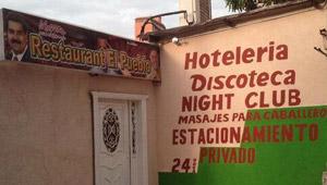 ¡QUEJESTO!… Restaurant, discoteca y masajes para caballeros (con la foto de Maduro)