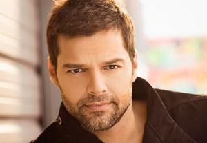 Ricky Martin ayuda a elegir tema para el Mundial