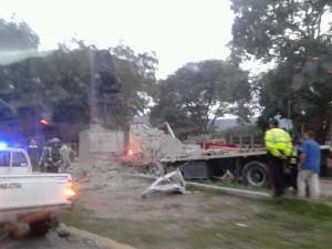 Accidente en la Valle-Coche deja una persona fallecida (Fotos)