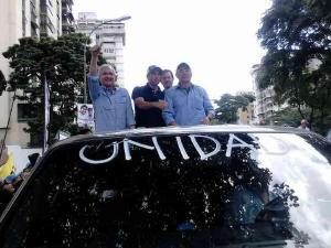 Aparece Capriles en la Gran Caravana de la Unidad