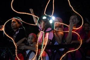 El País: El chavismo amplía su ventaja sobre la oposición en Venezuela