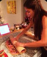 Dayana Mendoza hace pan de jamón (Foto)