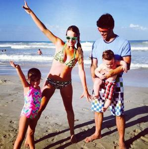 La familia López Tintori en la playa (Fotos)