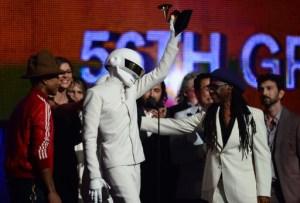 """Daft Punk se proclama triunfador de los Grammy con """"Get Lucky"""""""