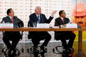 El País: Venezuela enmascara una nueva devaluación de la moneda