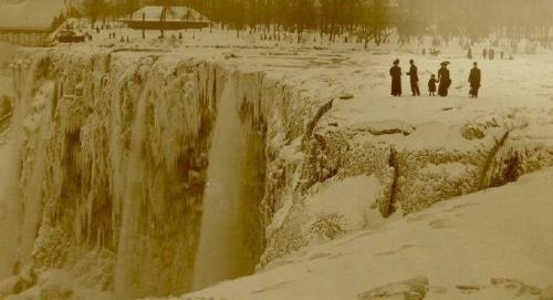 Los años en que se congelaron por completo las Cataratas del Niágara (Fotos)